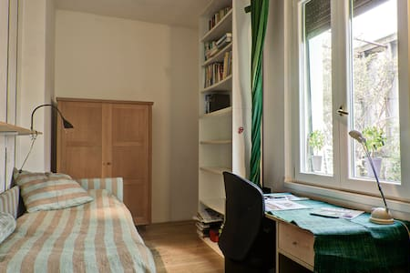 Single bedroom in Milan