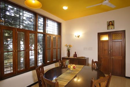 Quality room available in Bangalore - Bangalore