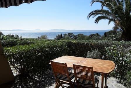 STUDIO PLEINE VUE MER RAYOL CANADEL PRES  LAVANDOU - Rayol-Canadel-sur-Mer