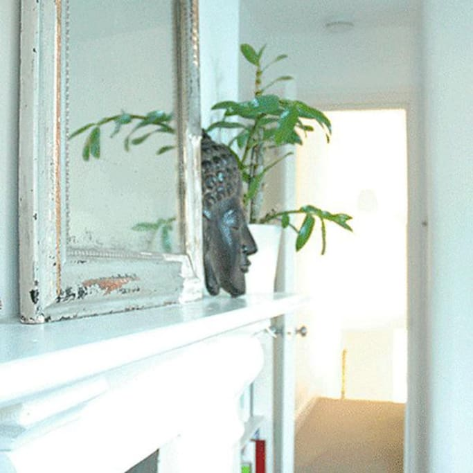 Zen Room right next to bathroom 2, calm and tranquil with views over huge field - 16sqm
