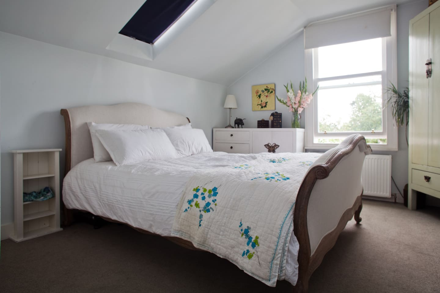 Zen Room is calming and tranquil with king size bed and views over a green field 16sqm