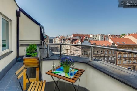 Most awesome rooftop terrace@center - Prag - Wohnung