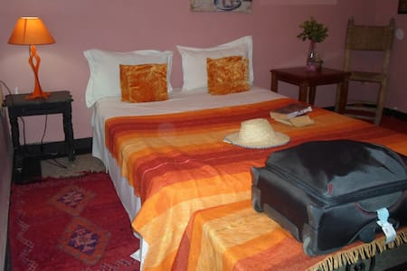 Room'Habiba'-BB centre medina F-25€