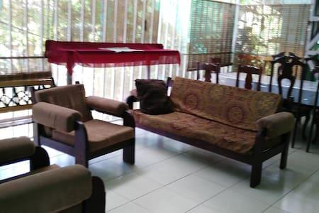 Casas para hospedarse y conocer C.R - Quepos - House