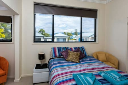 Beautiful Queen Room in Gerringong - Villa