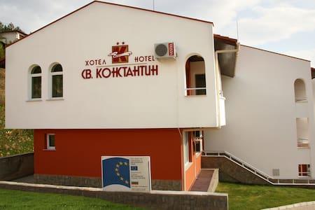 Hotel St. Konstantin - Glavatarsi