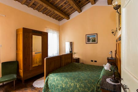 Charming Yellow Room B&BAnticaVigna - Bed & Breakfast