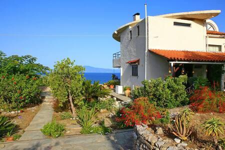 Villa Santava, Kalamata Greece - Ev
