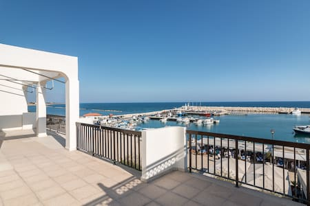 SEA VIEW FRONT RAW 2 B/R APART. ZYGI, LARNACA. - Larnaca - Apartment