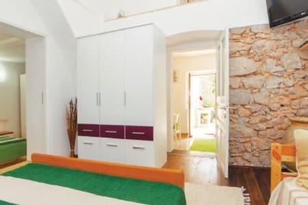Apartman Stela - Hus