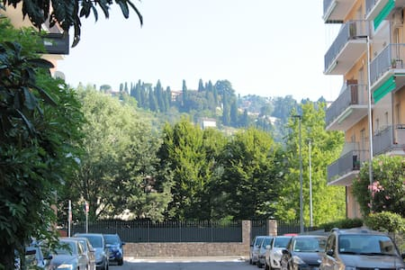 Little Sunshine in Bergamo - Apartemen
