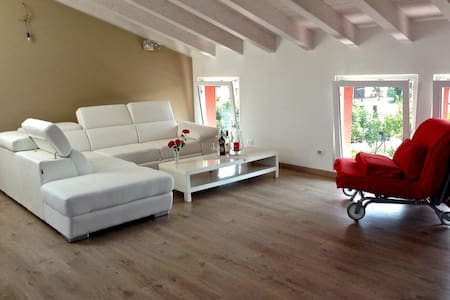 Mansarda a Porlezza - Porlezza - Apartment