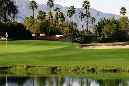 Spacious Palm Springs 1 Bdrm Villa - Cathedral City - Wohnung