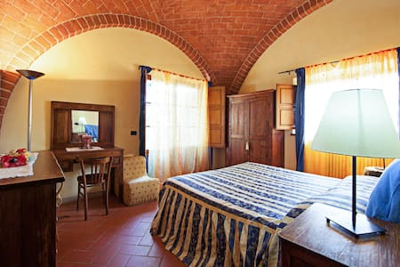 Romantic room with garden/pool in villa in Tuscany - Talo