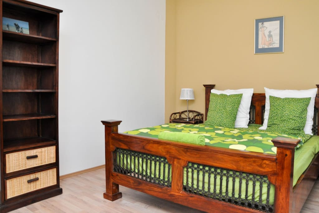 Large , comfortable beds,2 seperate bedrooms