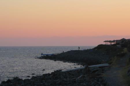 Pecorini monolocale  10 m dal mare. - Haus