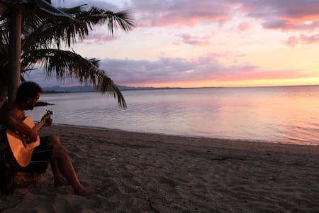 Eco-property on the beach in Fiji  - Bed & Breakfast