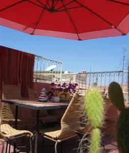 Marrakech - Nice Riad  -Free Wifi