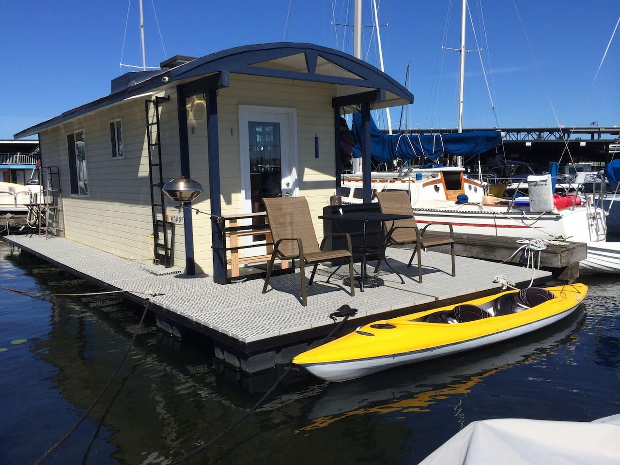 Modern Houseboat on Lake Union!!