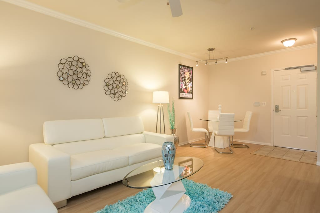HOLLYWOOD WALK OF FAME-LUX CHIC 2BR