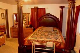 Picture of Castle Room, Mooseadventures BnB