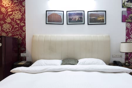 Spacious and Well furnished room - Hyderabad - Wohnung