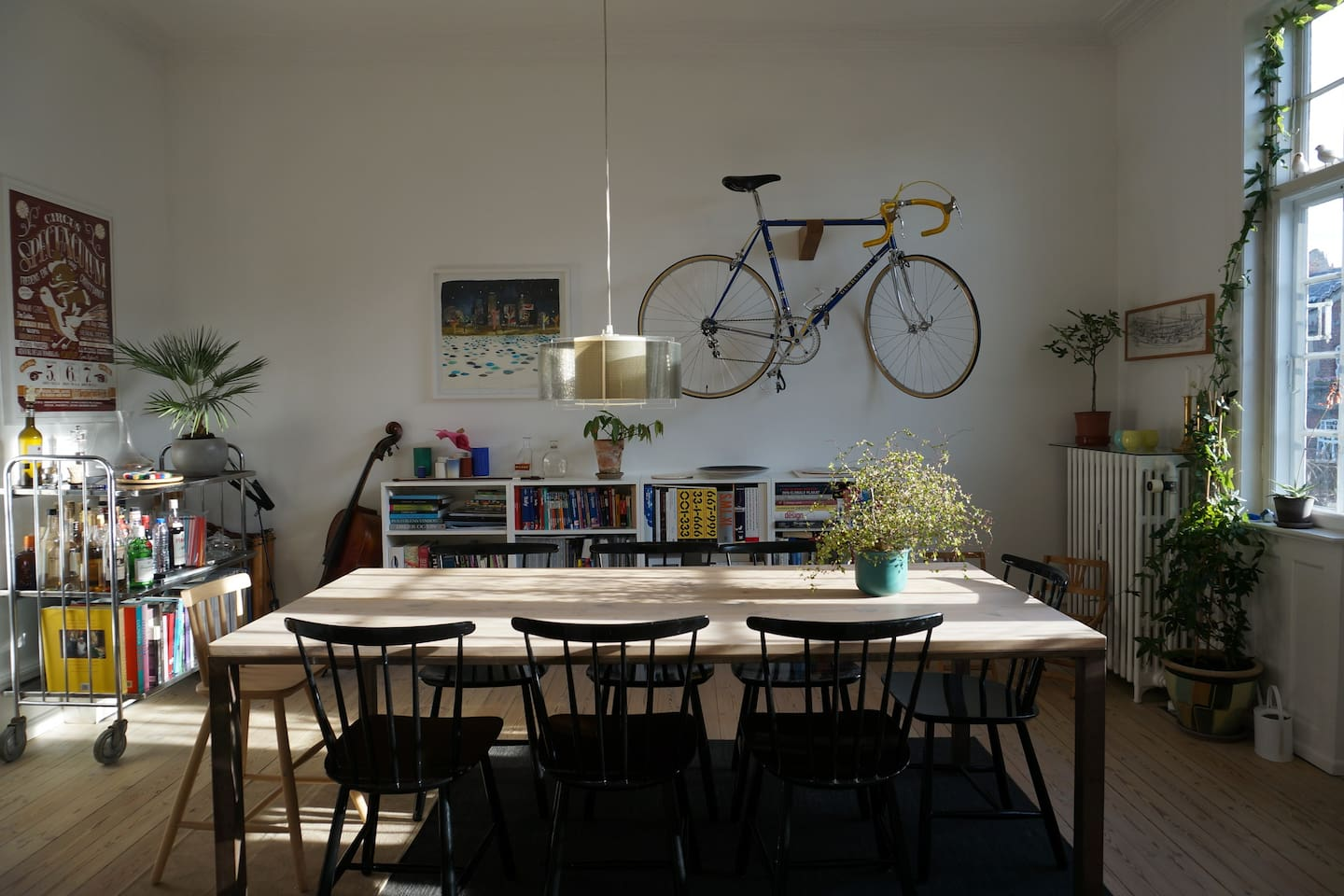 Dining room with lots of light and atmosphere