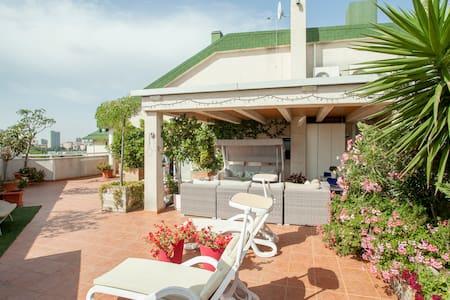 Ático duplex con magnífica terraza - Autre