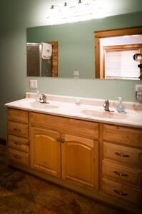 Gallery Lodge Suite 1  Private bath - Kasilof - House
