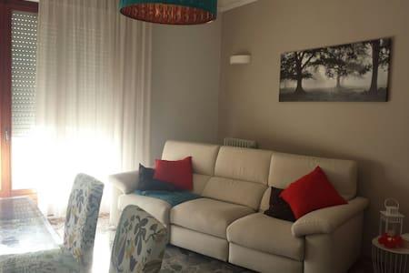 Appartamento di 75mq a pochi passi dal mare - Apartment