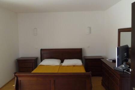 Rooms Hrvace, Sinj *** - Casa