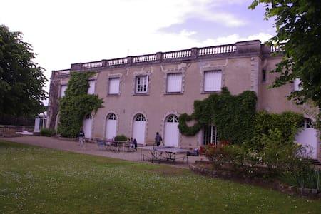 villa avec piscine et vue sur seine - Bois le roi - Ev