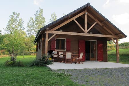 Joli chalet près bois et étang - Concèze - Almhütte