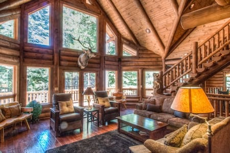 5 star Secluded Luxury Log Home  - Shingletown - Hus