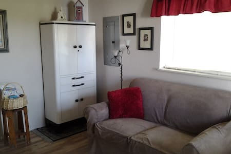 SPACIOUS STUDIO  1 BLOCK TO BEACH - Long Beach - Appartamento