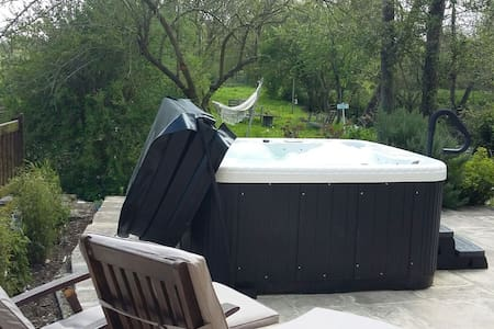 Bayeux Escapade romantique, Spa, Nature (Mulberry) - Bed & Breakfast