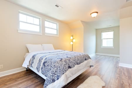 Quiet, Spacious Upstairs Loft - Boise - Maison