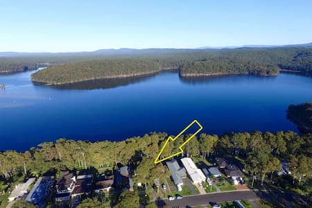 Lake Break Holiday House - Kings Point - Hus