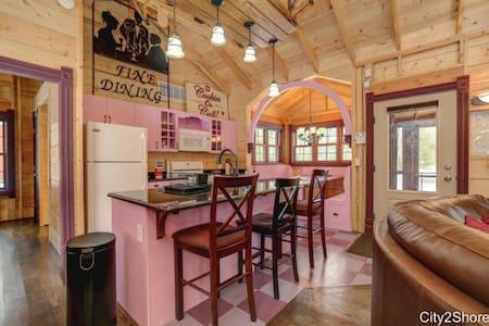Cottage #3 at DollyBrook Resort - Cabin