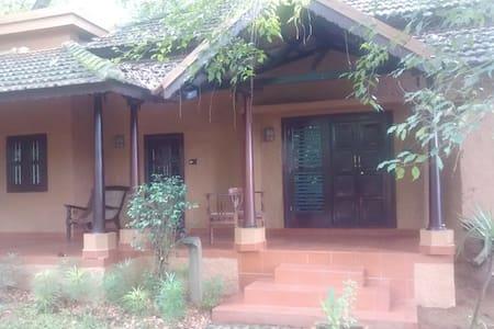 Riverside Luxury Family Cottage - Kottayam