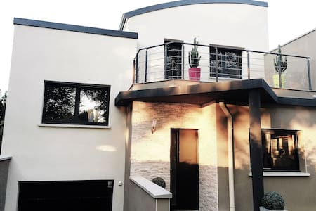 Trendy address in Champagne & Jacuzzi - Ay - House