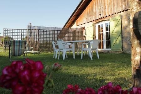 la chambre pierre et bois - Saint-Lattier - Bed & Breakfast