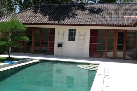Private room in Villa with Pool - North Kuta - Villa