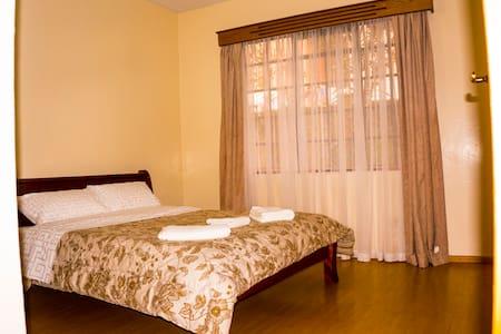 Cozy room in Lovely Apartment,Kingara RD Lavington - Nairobi