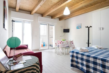 La Casa di Emma come a casa Tua.. - Rozzano - Bed & Breakfast
