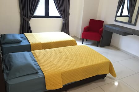 RUMA Boutique Studio w Twin/Double Bed and Kitchen - Apartment