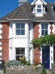 6 bedroom Edwardianvilla, sea views near Durlston - Casa