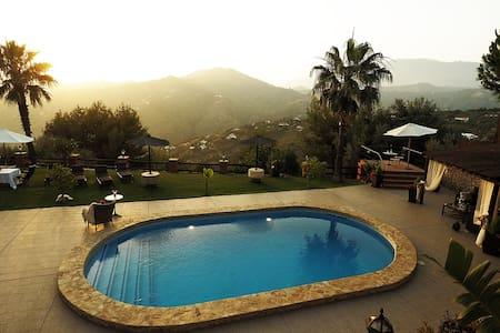 Villa el Pino: met Privé Zwembad - Huis