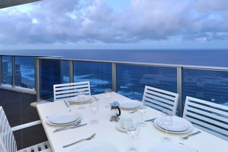 Located on the 33rd floor in the newest 5 star resort Complex is this huge 3 bedroom apartment, with amazing ocean views.  Our Professional team manage this dream apartment and allow you to rent it at up to 60% cheaper than others in the same resort.