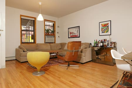Private BR in Huge 2BR in Chinatown - Apartment